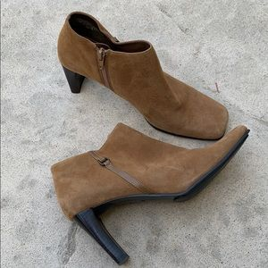 Bandolino 'Urbane' Tan Suede Ankle Boots Size 8